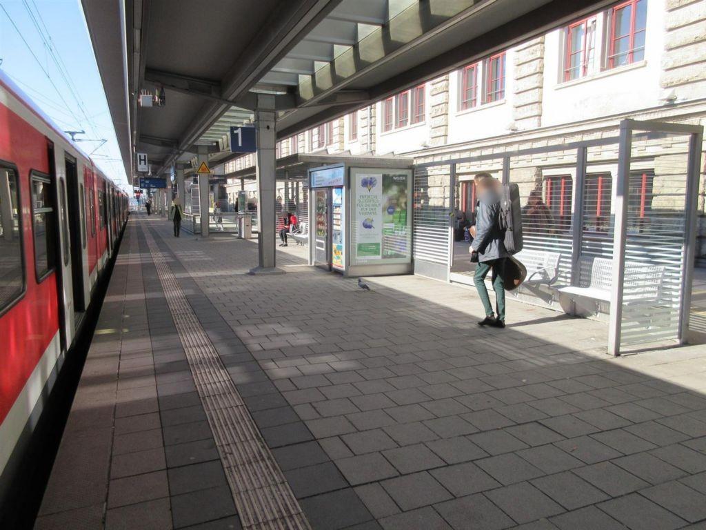 Hbf, Bstg., Gleis 1,Wartehalle, am Automat