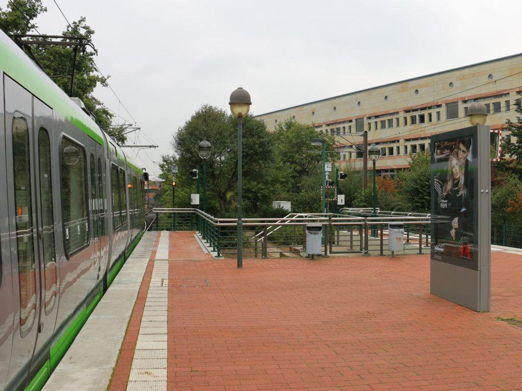 HST Langenhagen/Bahnsteig hinten sew/104