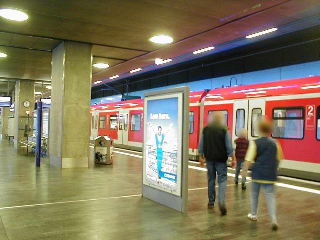 S-Bf Flughafen, Bstg., Gleis 1, 3. Sto.