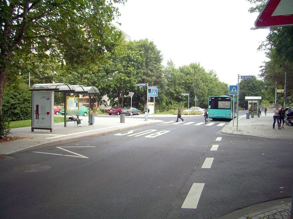 Berkersheimer Weg/Heinrich-Plett-Str./außen