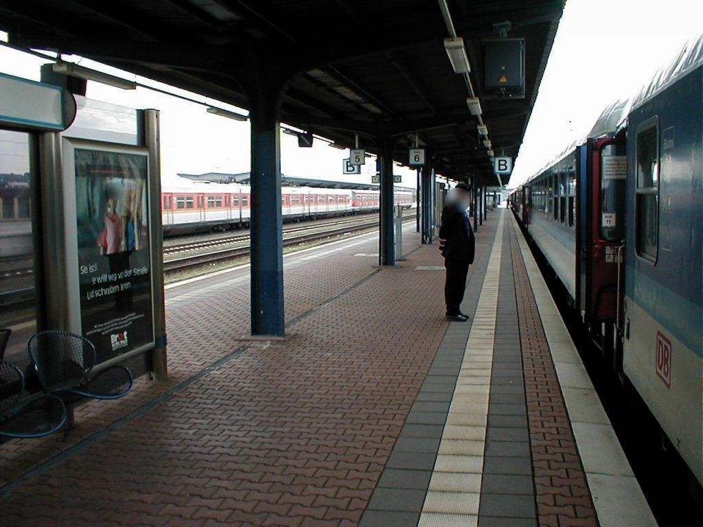 Hbf, Bahnsteig, Gleis 6, 1. St.O.