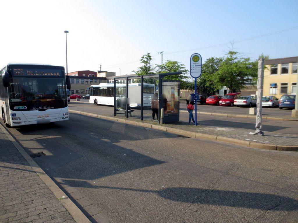 Am Hbf/Busbahnhof/HST B/außen