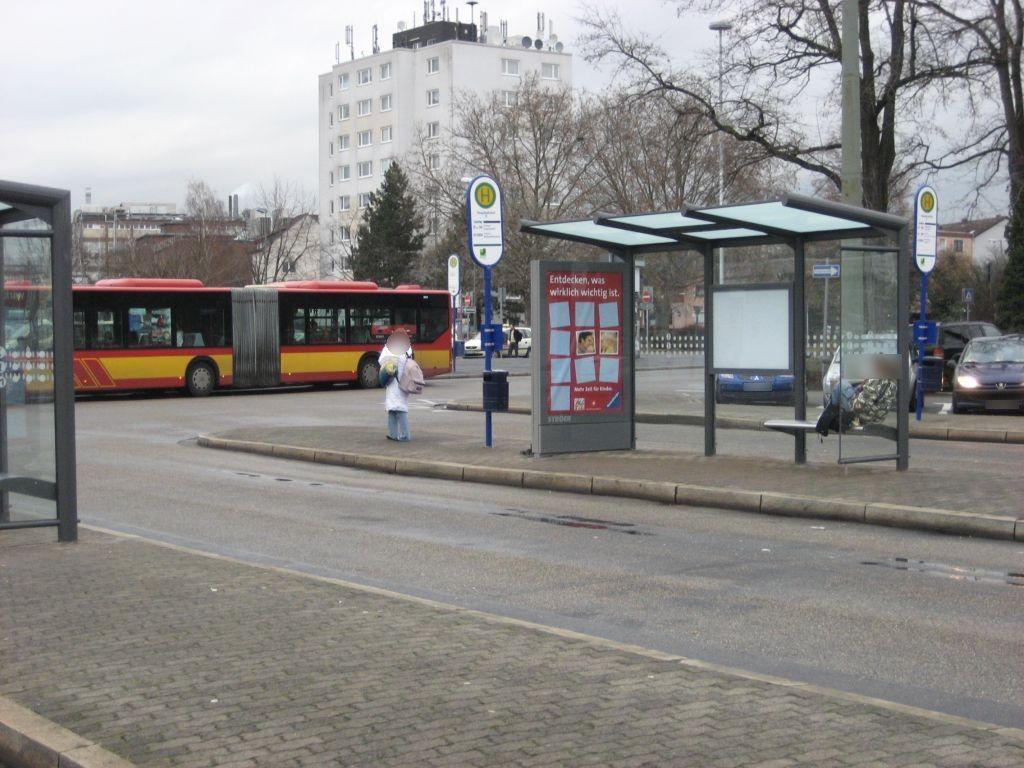 Am Hbf/Busbahnhof/HST D/innen