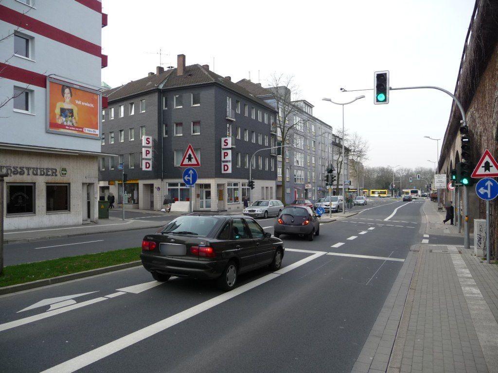 Bahnstr.  24