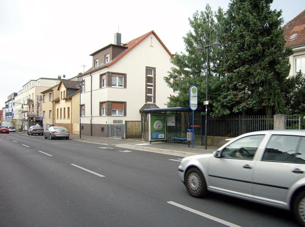 Aschaffenburger Str. 52/Am Rebstock/innen