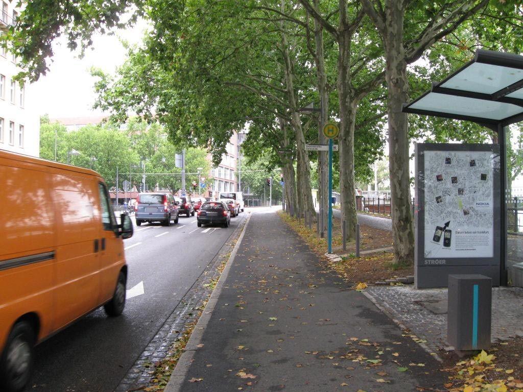 Schaumainkai geg.  99/Friedensbrücke
