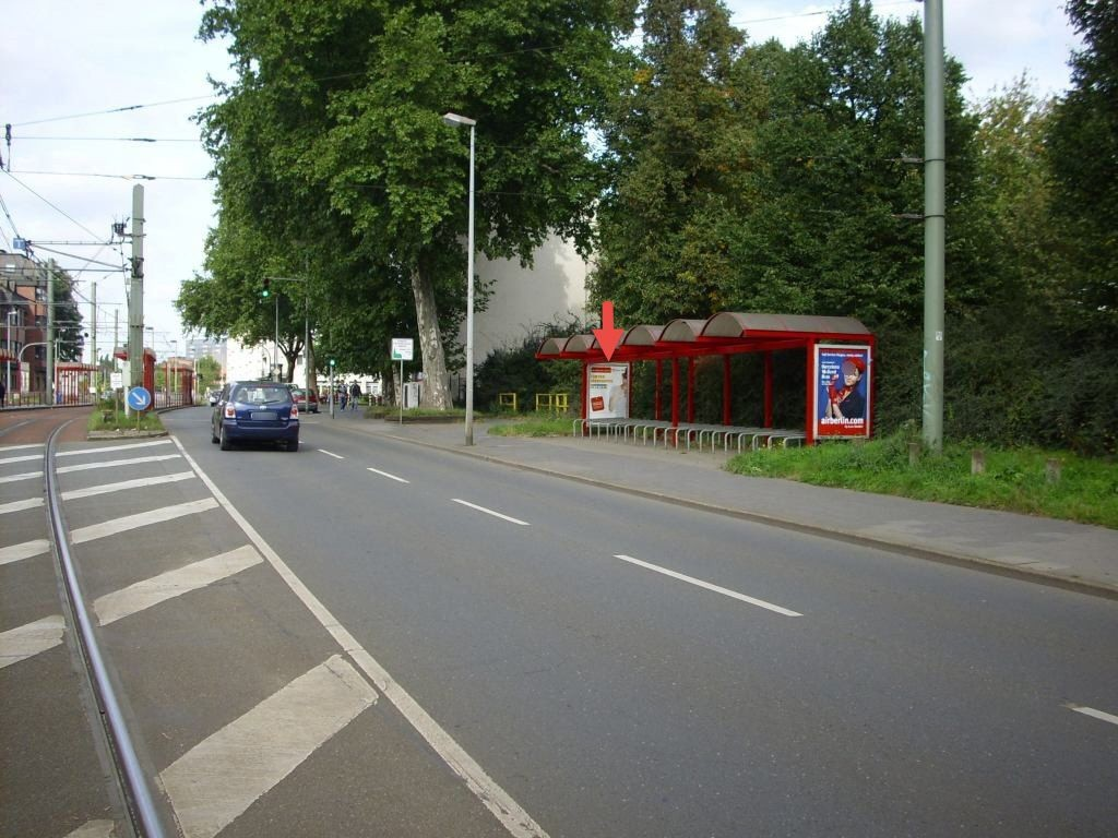 Heerstr.  65/Platanenhof/Fahrradstand li./We.re.