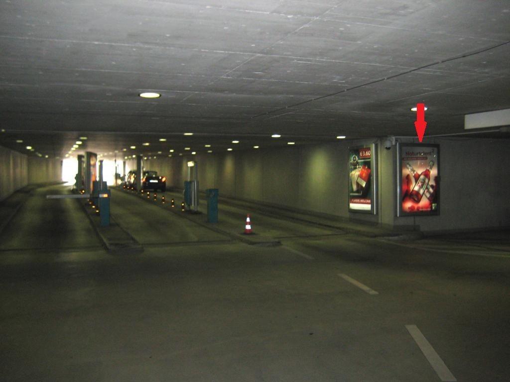Friedrichsplatz/TG - Ausf./Wand re.