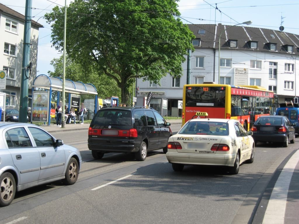 Gelsenkirchener Str./Hallostr. saw./We.li.