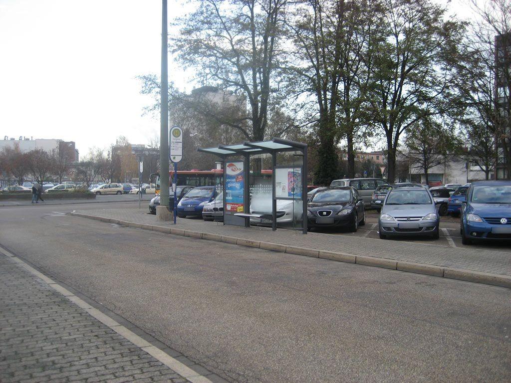 Am Hbf/Busbahnhof/HST F/RW innen