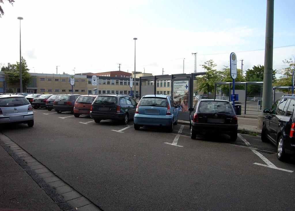 Am Hbf/Busbahnhof/HST F/RW außen
