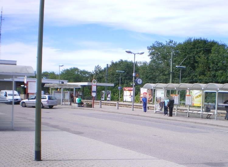 Bahnhofstr. 78, Bussteig 1, 1.WH, li.Vi.