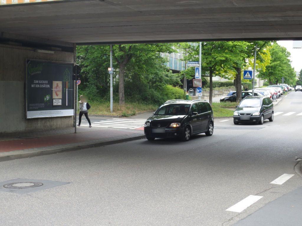 David-Röntgen-Str. 10 li./Hoevelstr Ufg.