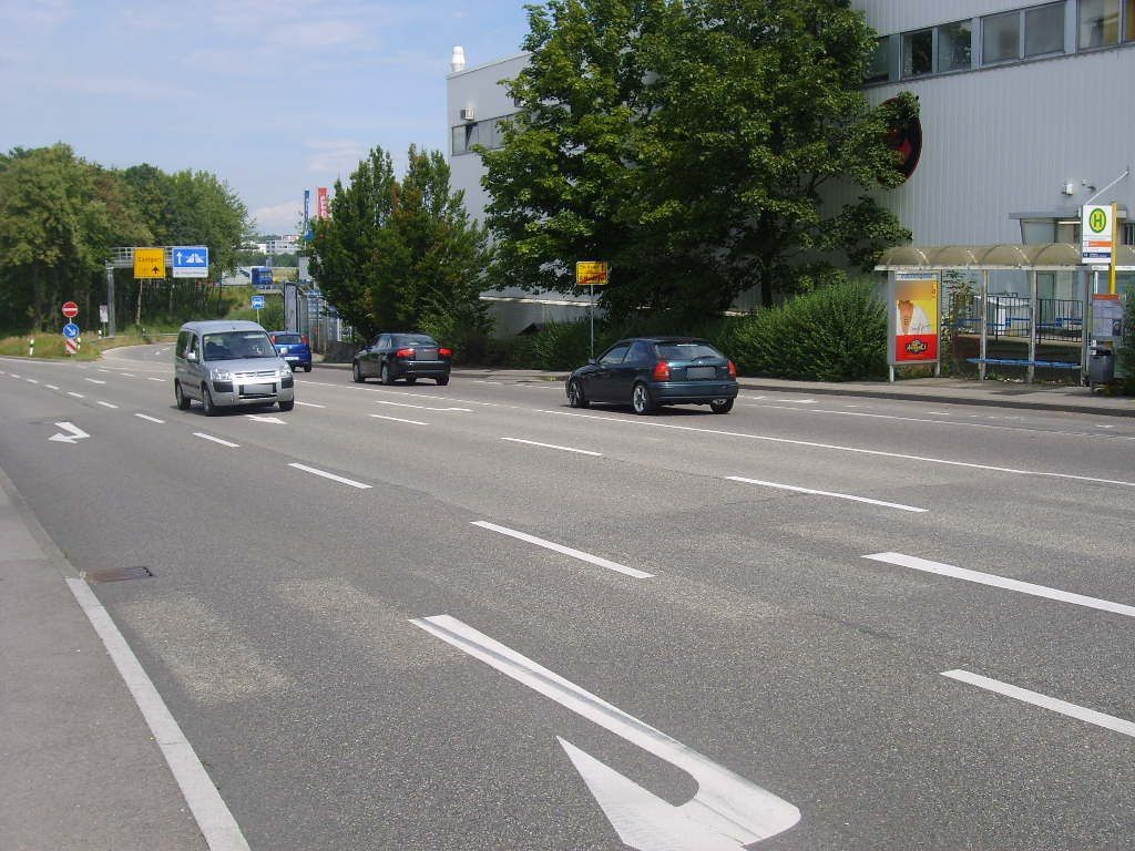 Hauptstr./Ortseingang saw./ We.re.