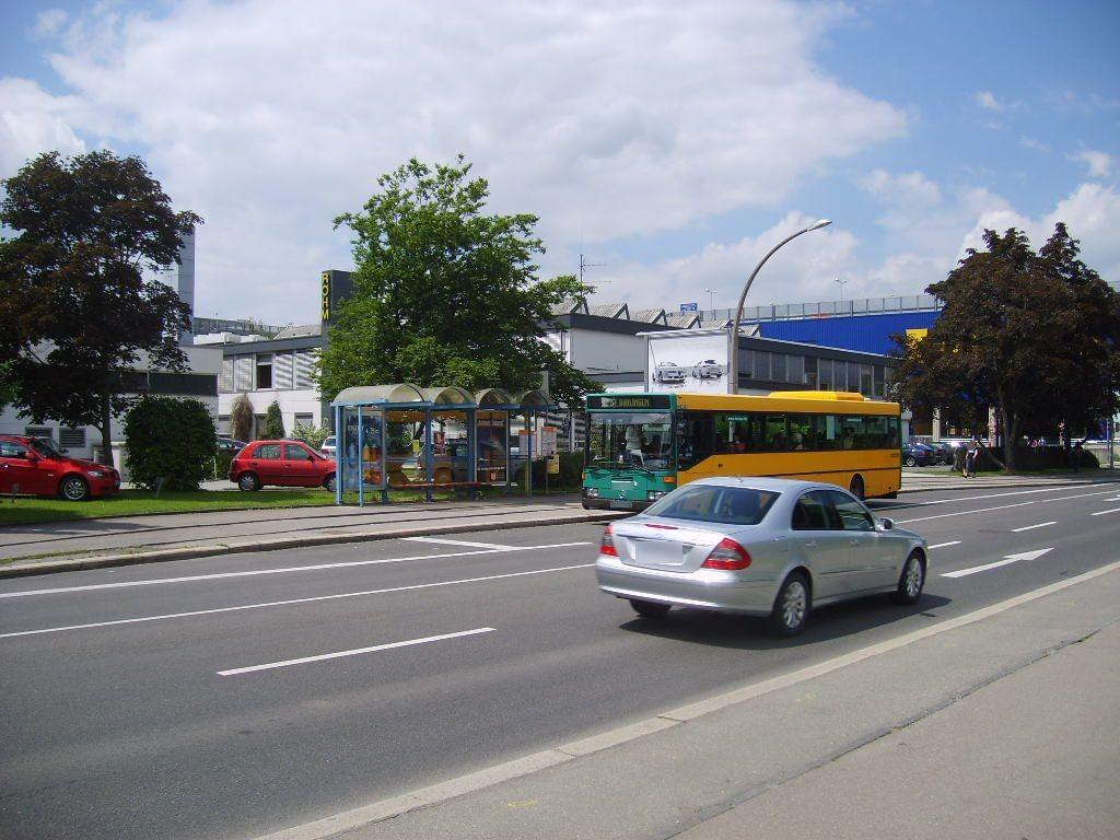 Böblinger Str./ HST Gottlieb Daimler Schule/ re.
