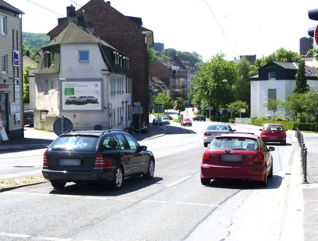Hans-Böckler-Str.   9