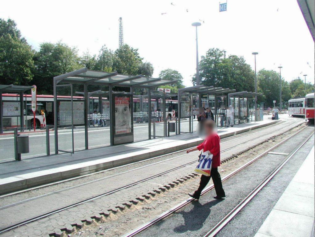 Hbf. StraBa-Steig 4 Sicht Hansa-Centrum