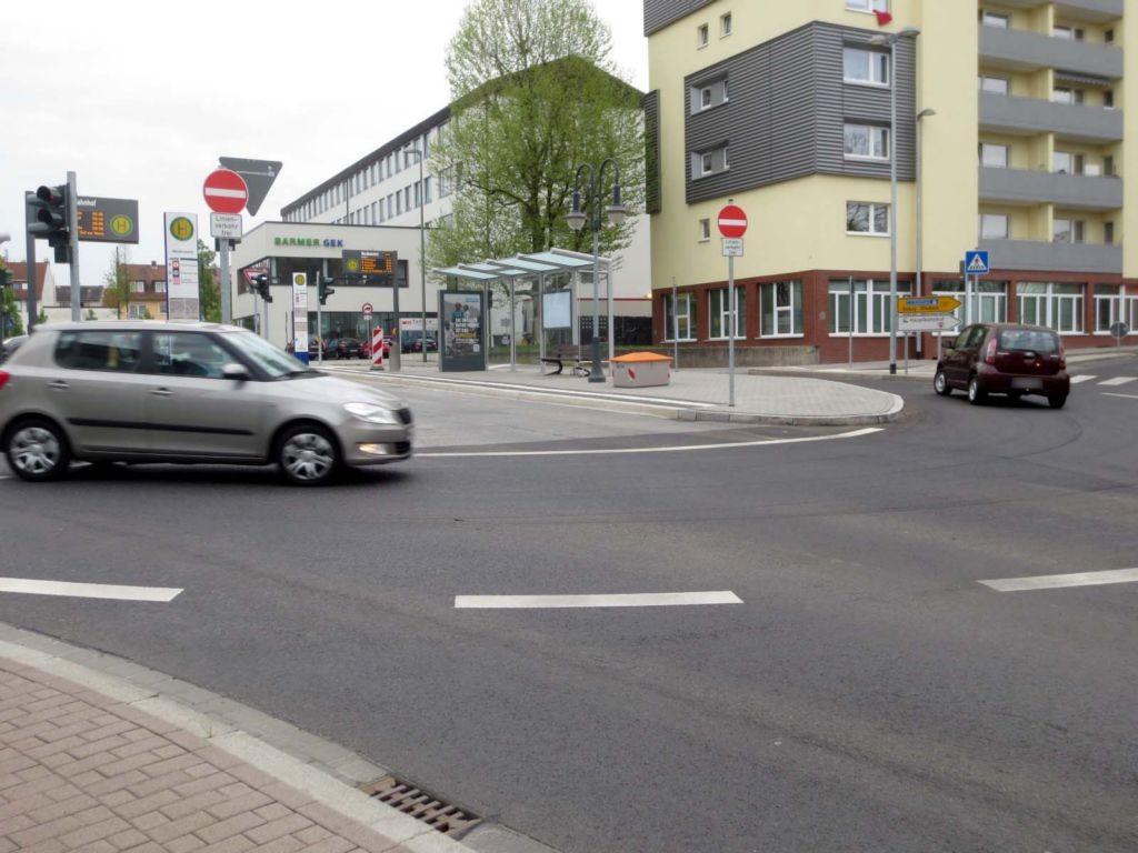 Kanaltorplatz/Vor dem Kanaltor 3/li. Vit./innen