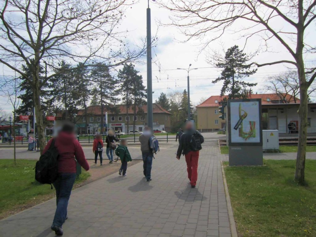 Hubertusplatz/Heideallee si. Str.