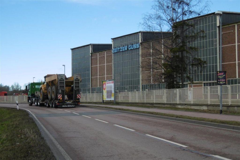 Naumburger Str. saw. neb. Rohrbrücke