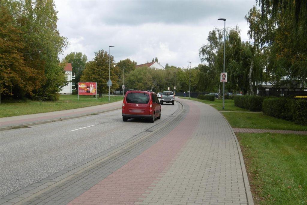 Straße des Friedens/Leunaweg, saw, We.li.