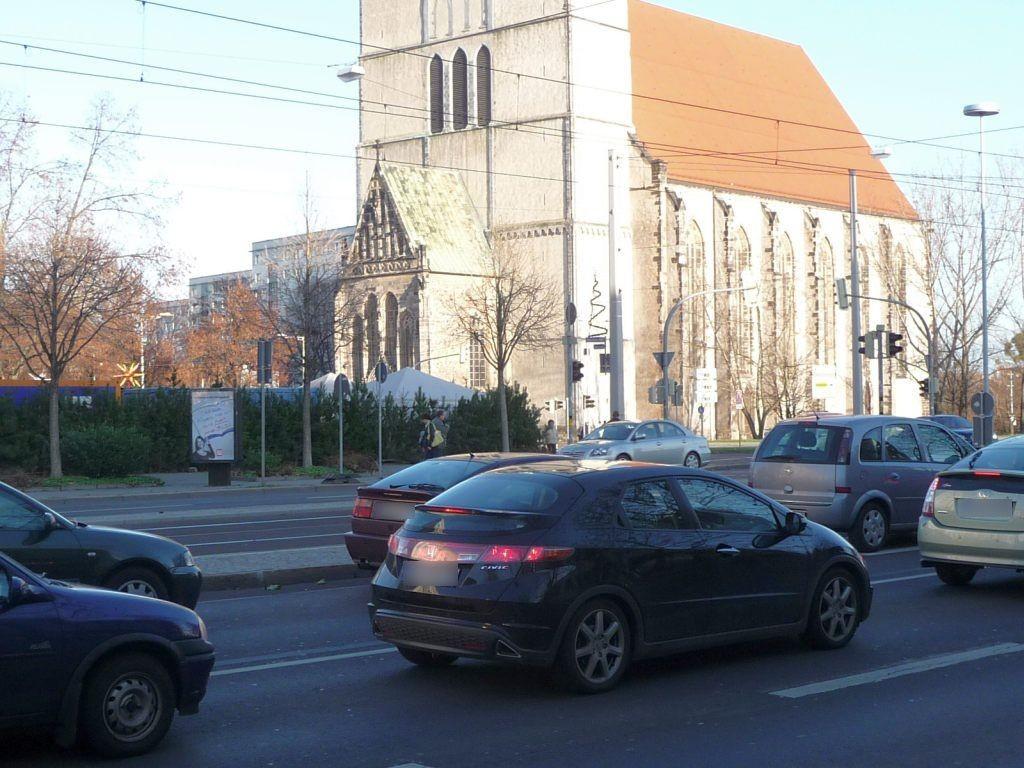 Ernst-Reuter-Allee/Jakobstr./We.li.