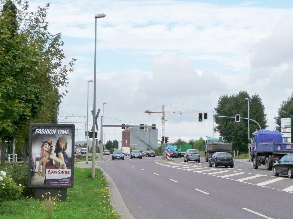 August-Bebel-Damm/HST Betriebsbf Nord re./We.li.