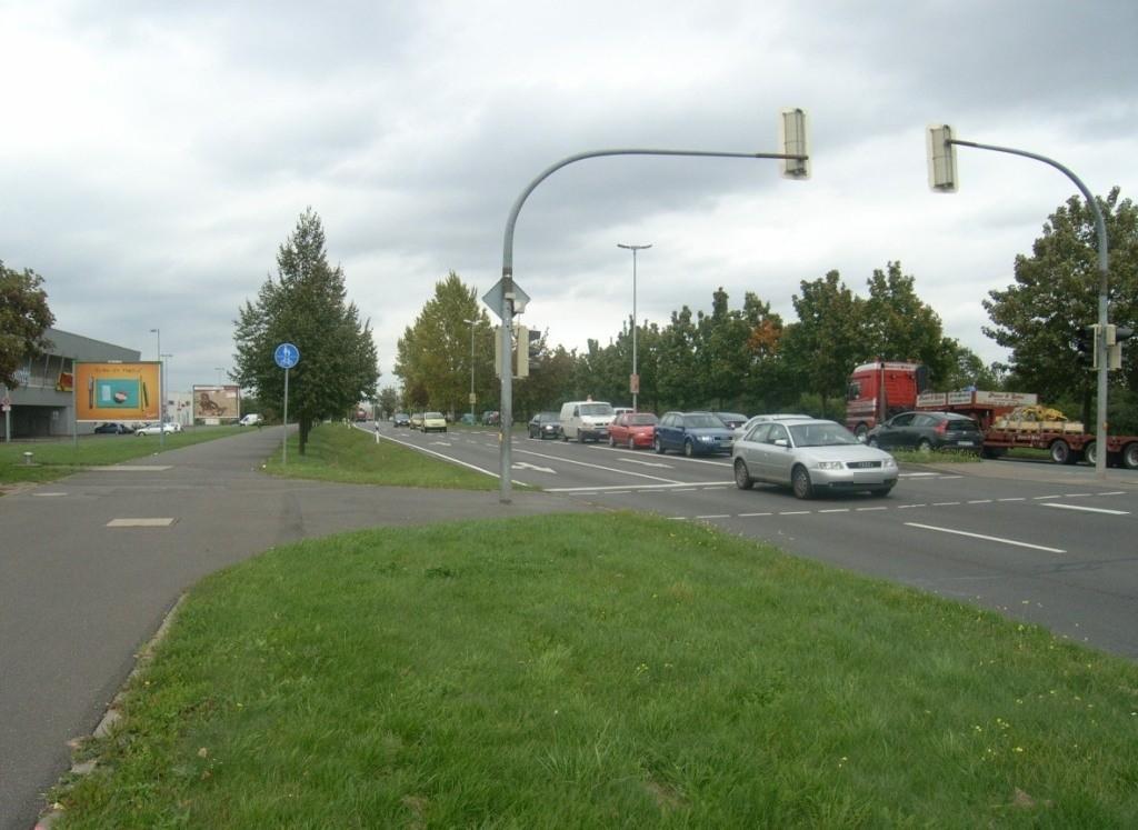 Olvenstedter Graseweg  37/Holzweg WS