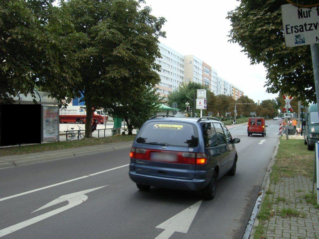 Barleber Str./Neustädter Platz li. RS 02