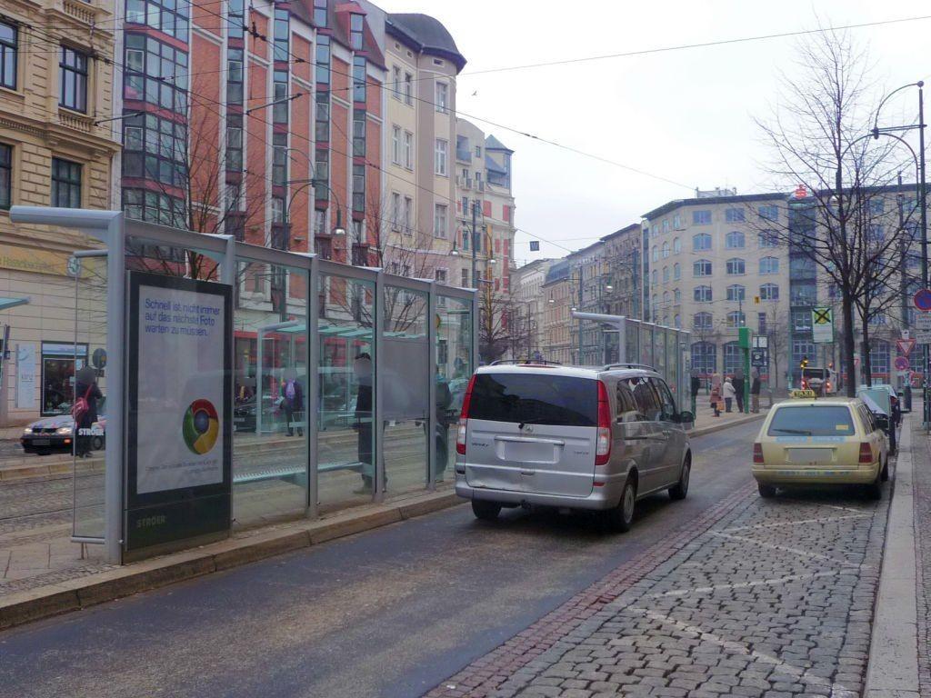 Breiter Weg 232a/Hasselbachplatz re. RS