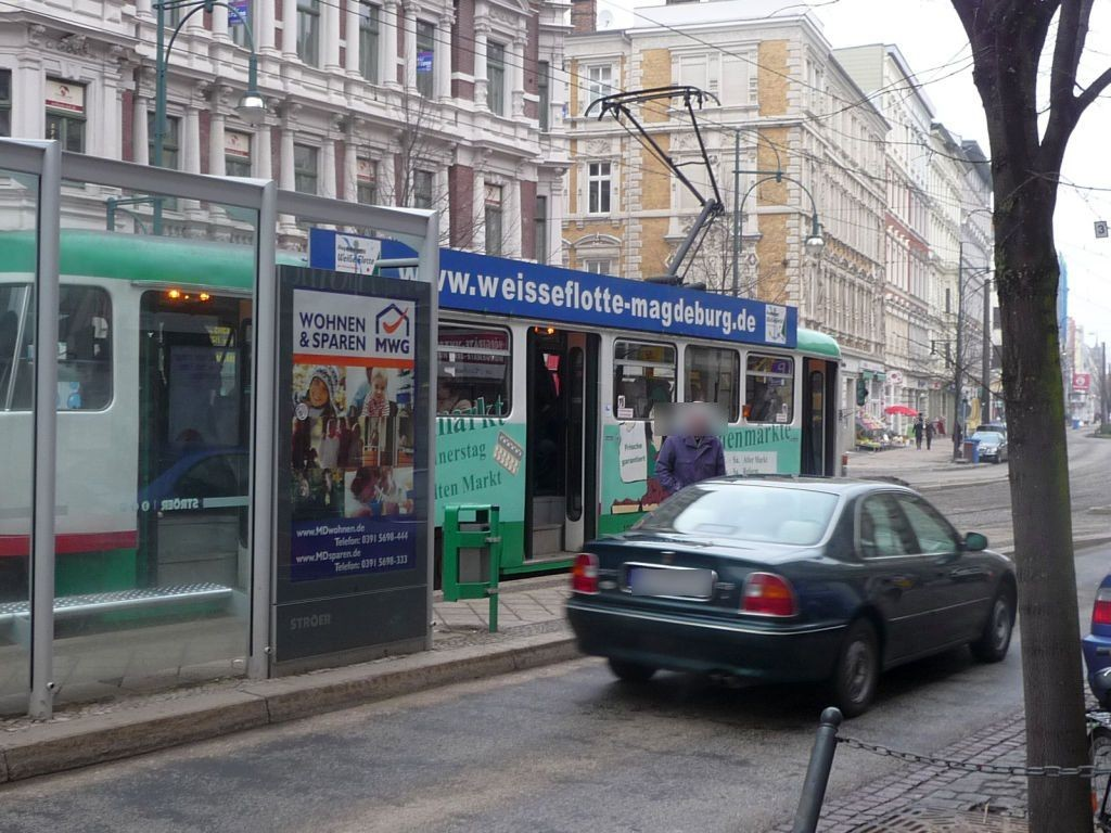 Breiter Weg 250/Hasselbachplatz li. RS