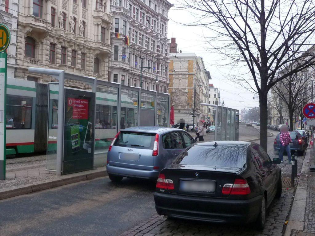 Breiter Weg 250/Hasselbachplatz re. RS