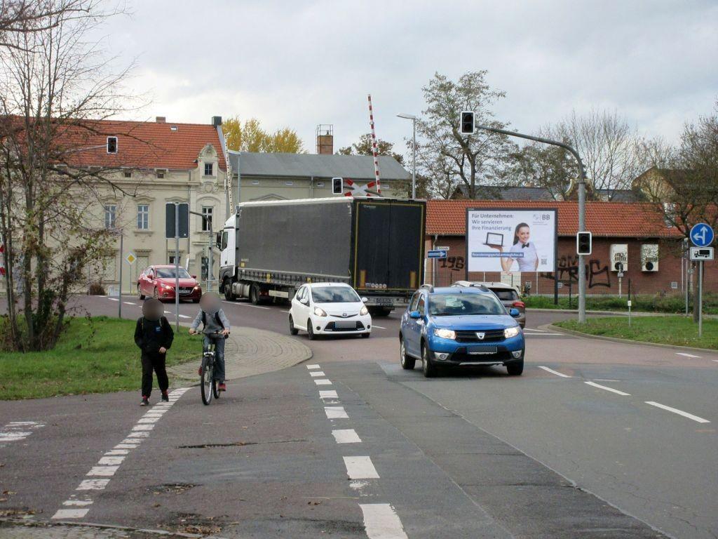 Zollstr./Bahnüberg. Bernburger Str.