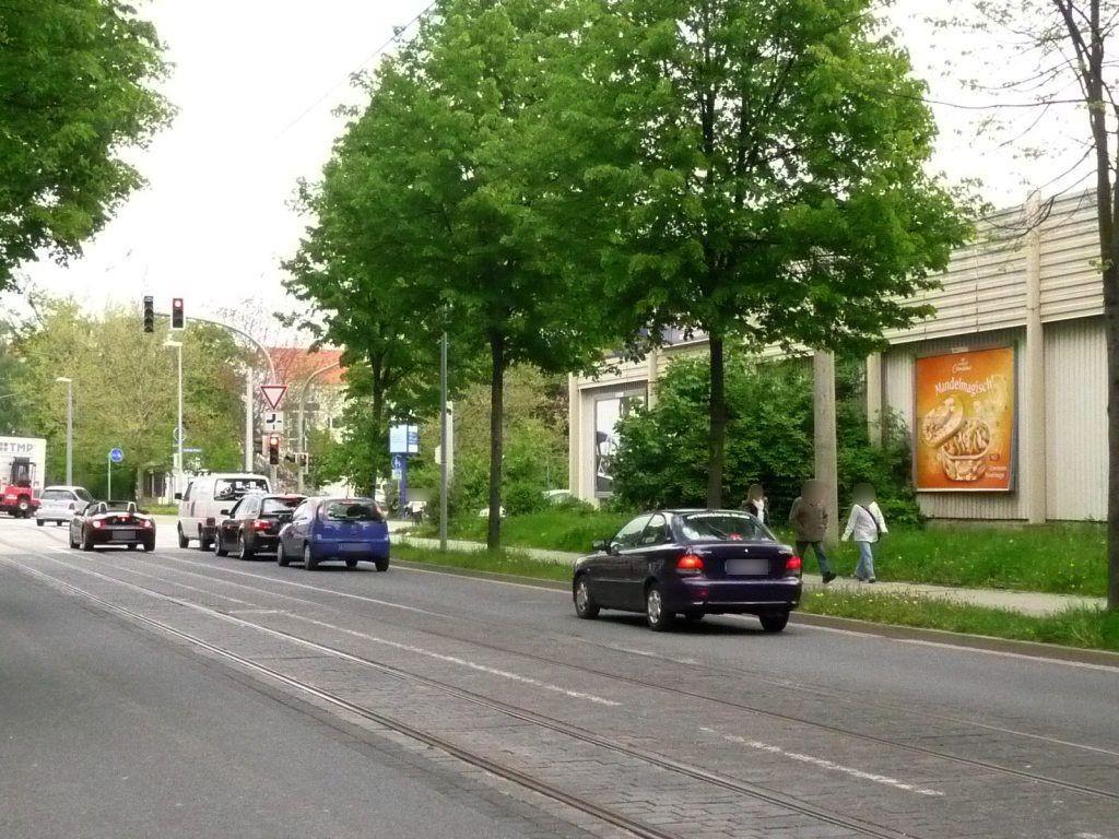 Friedrich-Ebert-Str./Straße des 20. Juli mi.