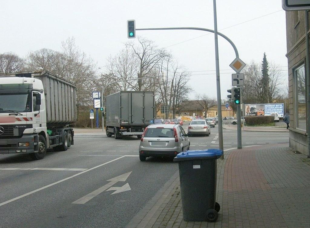 Straße des 20. Juli/Friedrich-Ebert-Str.