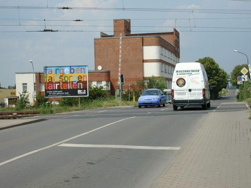 Blumenthaler Str. Bahnübergang/VS quer saw.