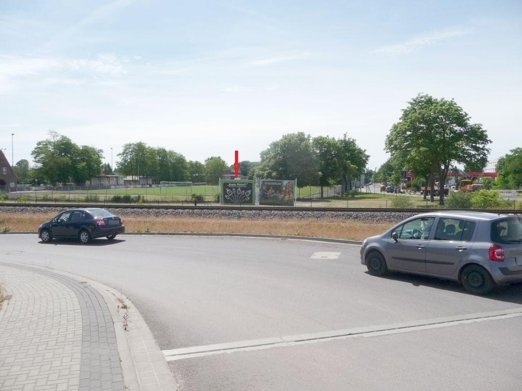 Berliner Chaussee li./RS B1