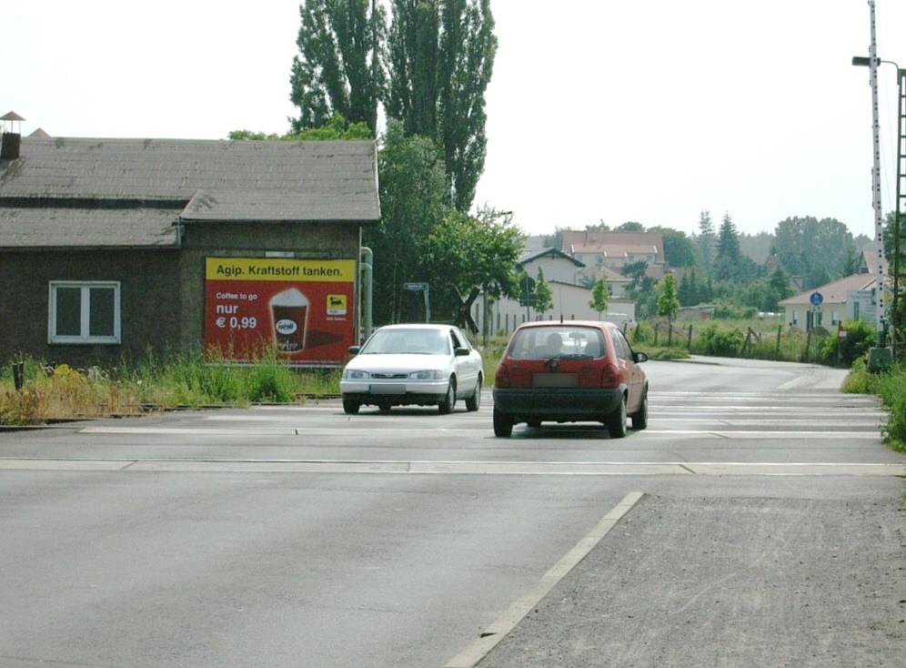 Schützenstr./Bahnübergang quer