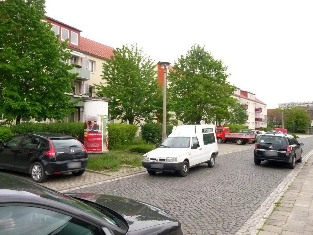 Friedrich-Ebert-Str.  7