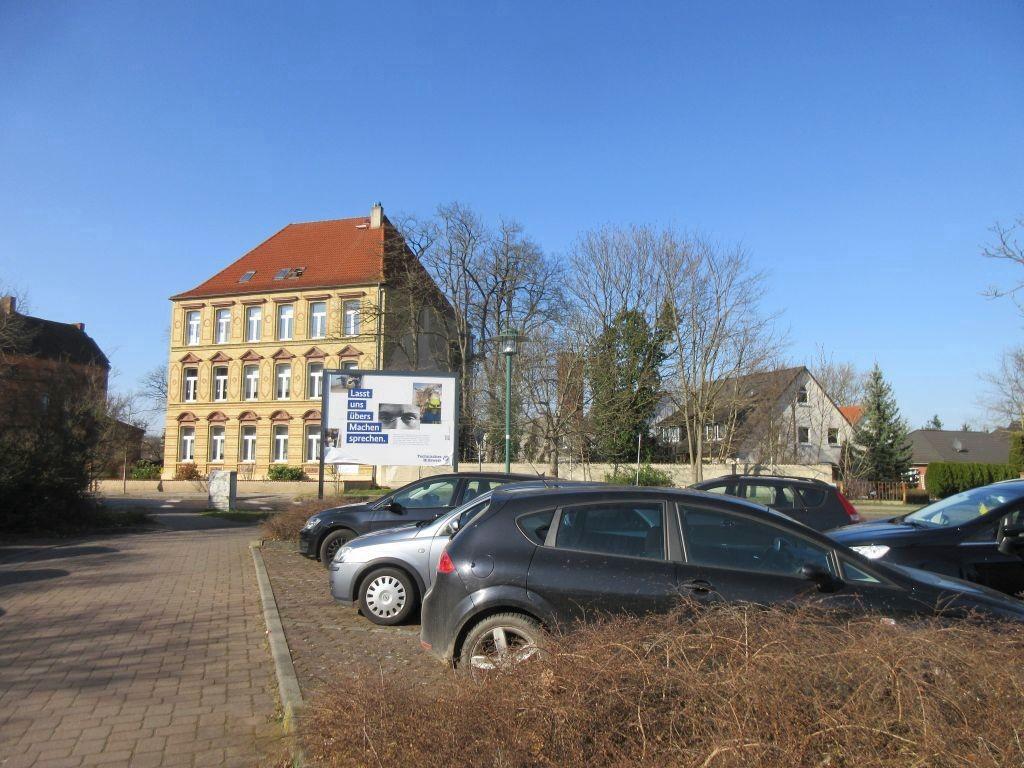 Bahnhofstr. geg.  81/RS
