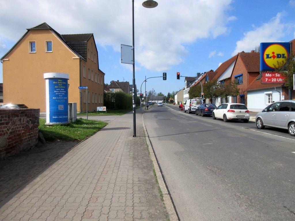 Vor dem Salzwedeler Tor  10
