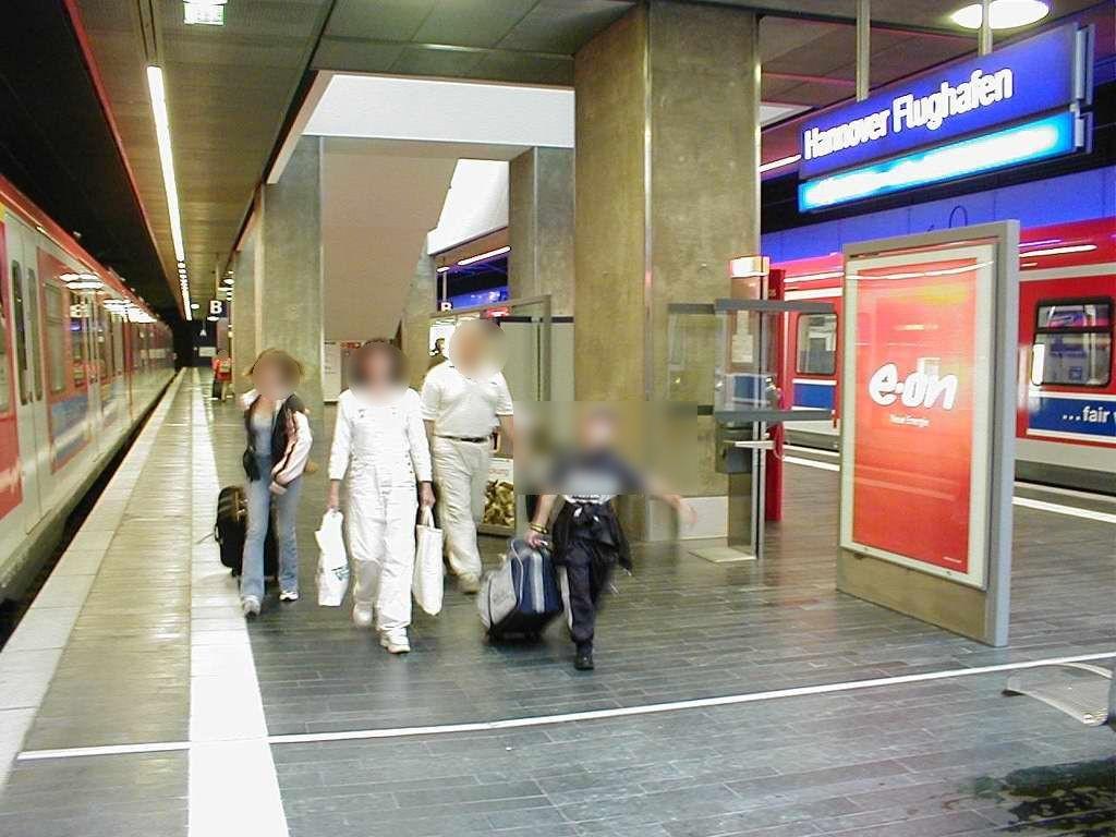 S-Bf Flughafen, Bstg., Gleis 2, 2. Sto.
