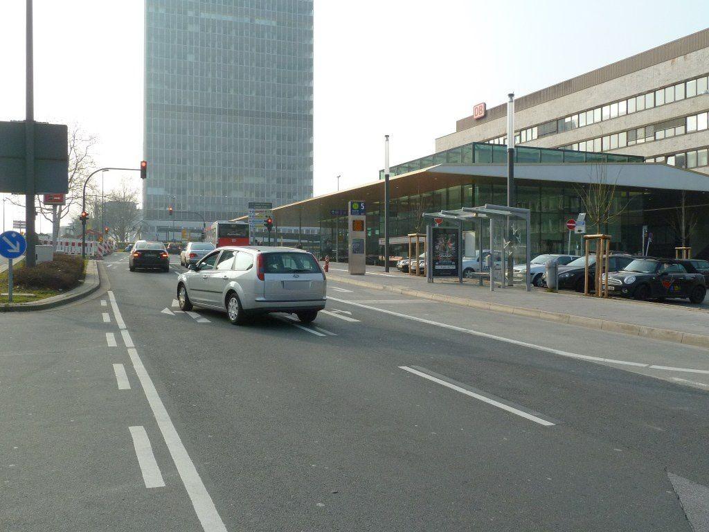Freiheit/Bahnhofsvorplatz/Südseite/We.re.