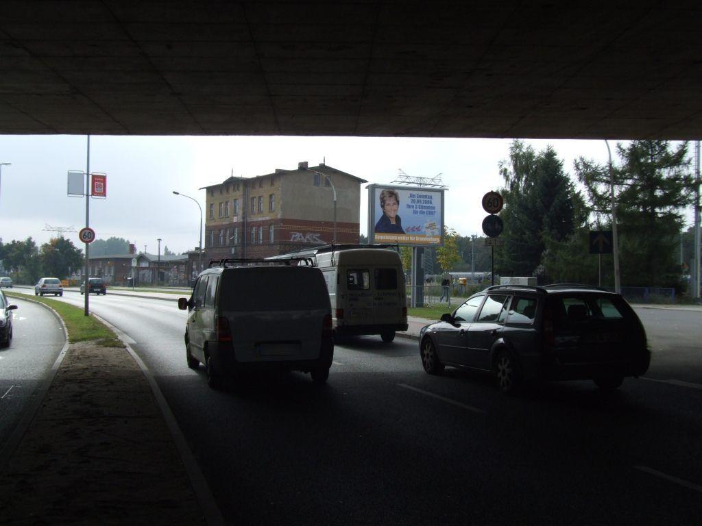 Zanderstr. vor Altstadtbf/We.re. CS