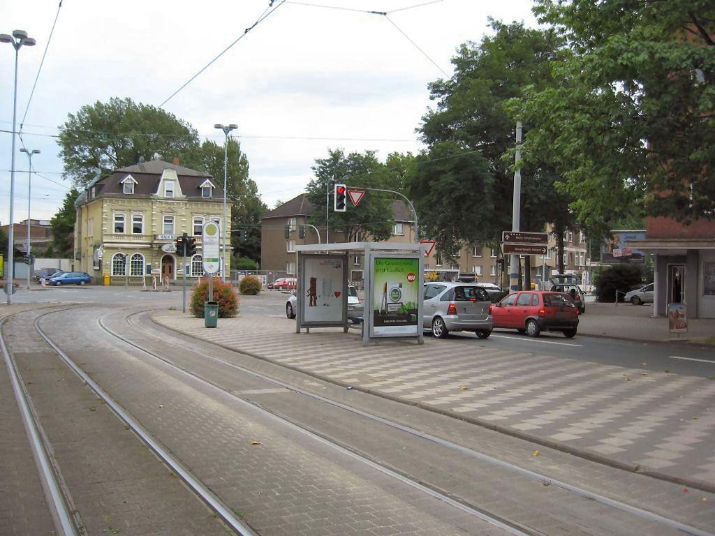 Bochumer Str. 261/Ückend. Platz/Ri. BO/li. innen