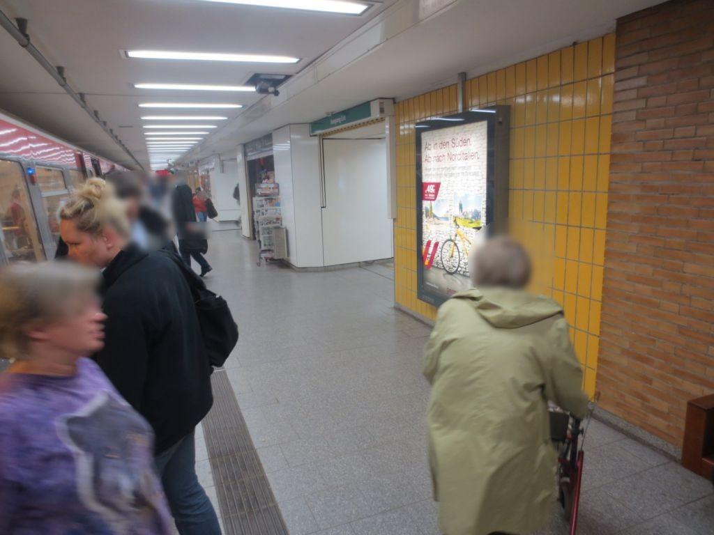 U-Bf Osterstr. Gleis 1, Ri. SH, Ausgang Heußweg
