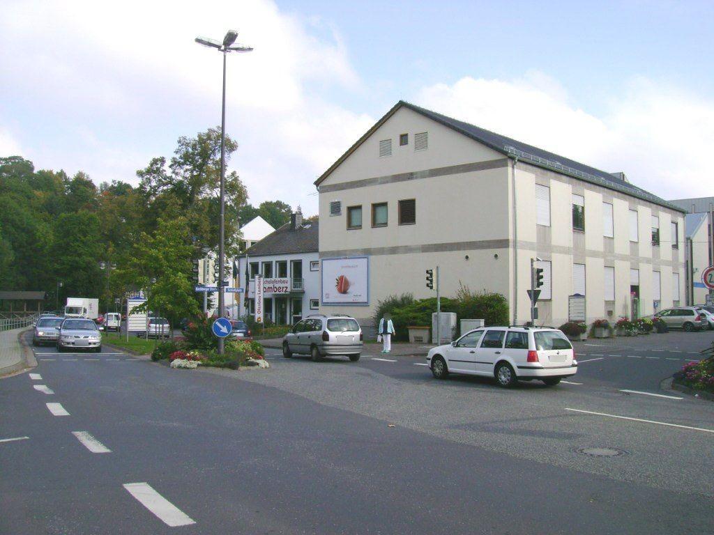 Koblenzer Str./Schlossstr.  24
