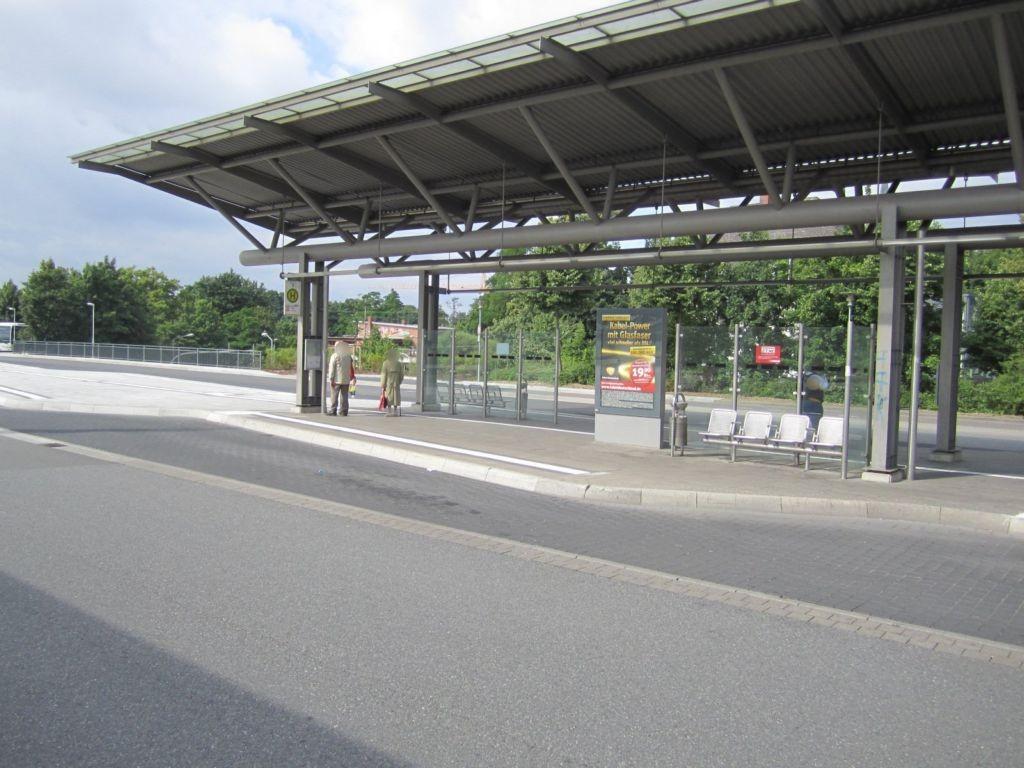 Bahnhofstr./ZOB, Bussteig 7-8, Si. Stadt