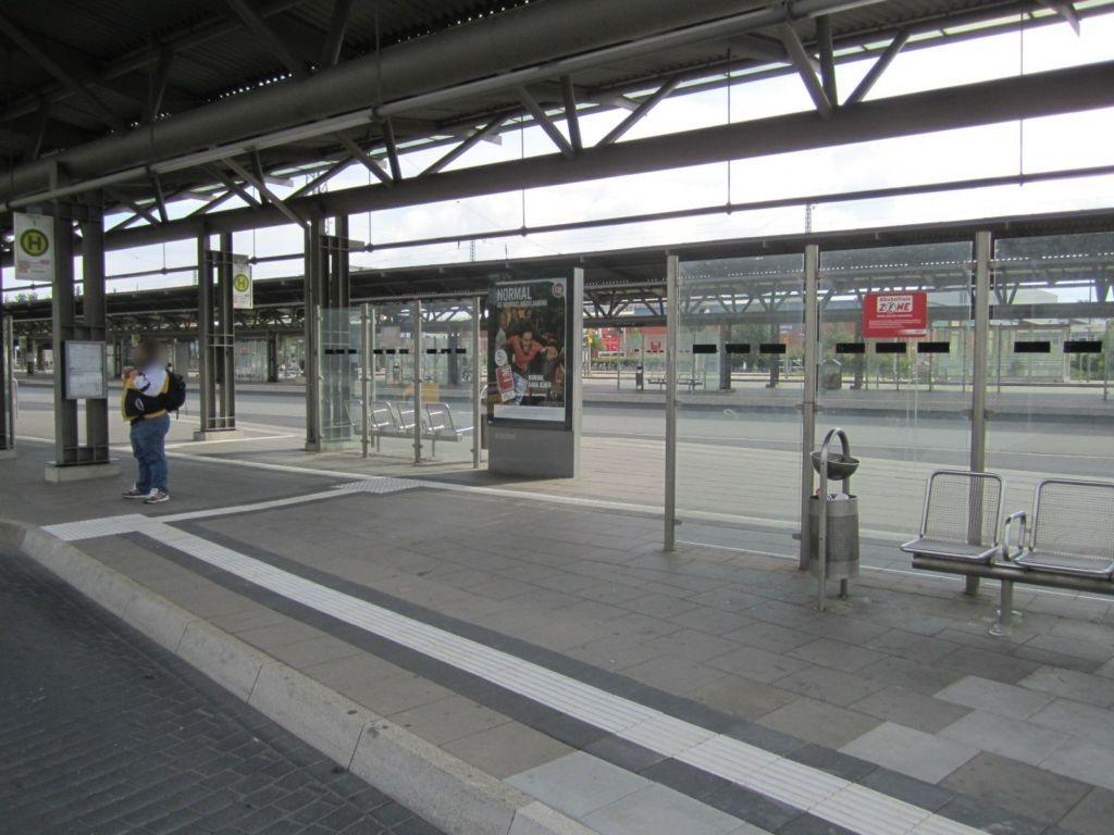 Bahnhofstr./ZOB, Bussteig 7-8, Si. Gleise