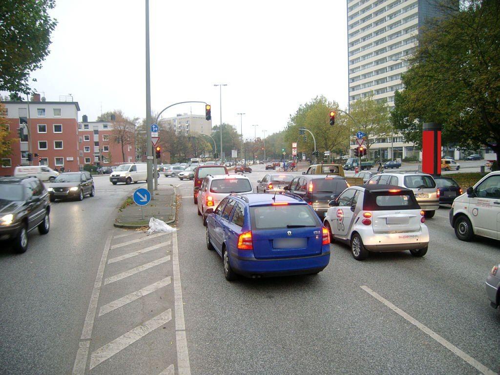 Doormannsweg/Fruchtallee saw.